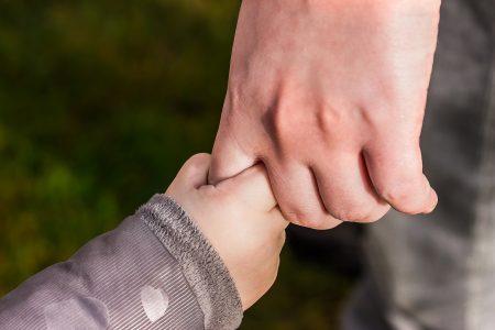 hands-1797401_1920